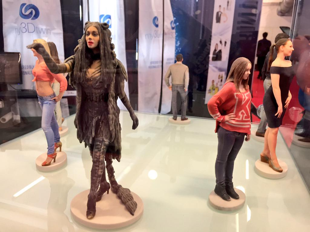 You can get scanned and 3D printed in full colour by @my3Dtwin when visiting @3DPrintshow #3DPS http://t.co/unRBY5hjFq