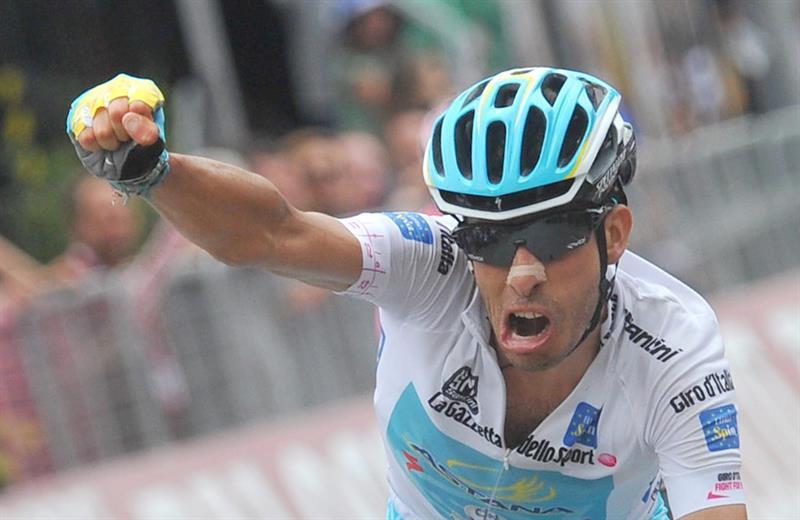 Giro d'Italia 2015, a Jesolo vince in volata Sacha Modolo, Contador cade e Aru e' nuova Maglia Rosa
