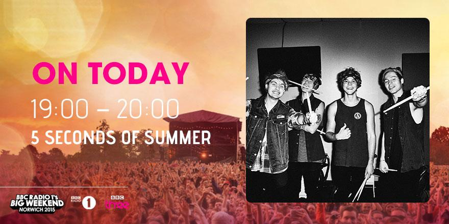 @5SOS Ready to rock out #BigWeekend? We're ready for you! #5SOS http://t.co/x5a7CVPsz1