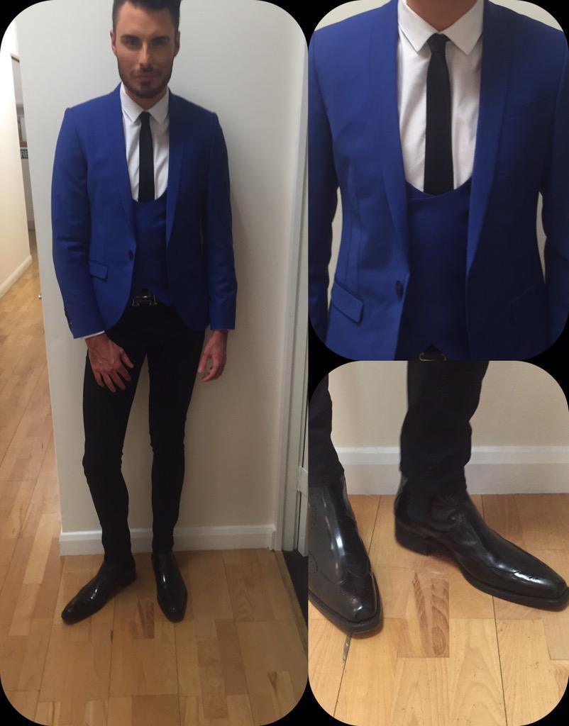 RT @RylanStyle: . @Rylan wears blazer/waistcoat @Nooseandmonkey shirt @TMLewin jeans @ASOS_Menswear boots @JefferyWestUK #BBBOTS http://t.c…