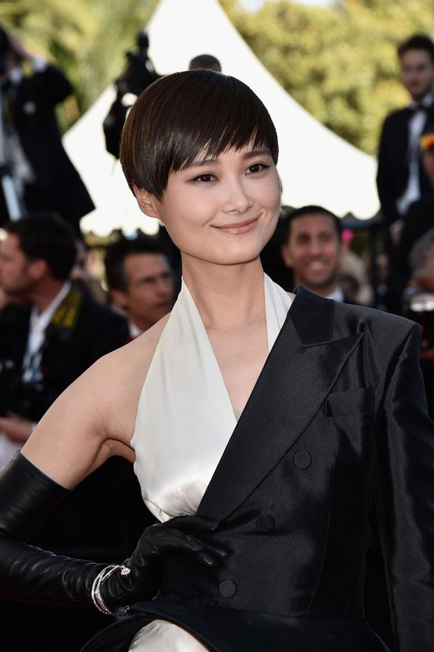 Li Yuchun looked totally charming in her Jean Paul Gaultier Couture hybrid piece #Cannes2015 http://t.co/Hurjly7HyI