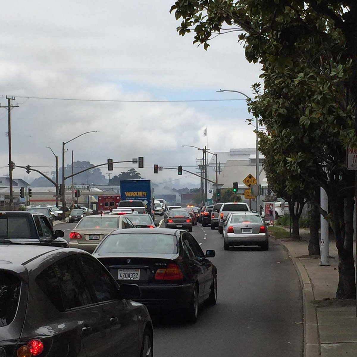 Big fire on Ashby just west of 9th St.  Ashby shut down. /cc @berkeleyside http://t.co/tD5OkPTdbT