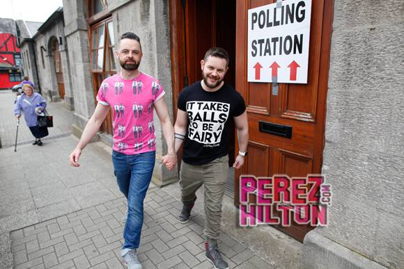 OMG YES! RT #Ireland's historic referendum vote for marriage equality is happening RIGHT NOW! http://t.co/PsjHUEHWD6 http://t.co/6Folke3oda