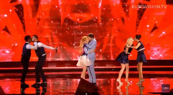 RT @GayTimesMag: Lithuania's same-sex @Eurovision lip lock last night...   http://t.co/NLWoAOm0MS http://t.co/83pycBdL3B