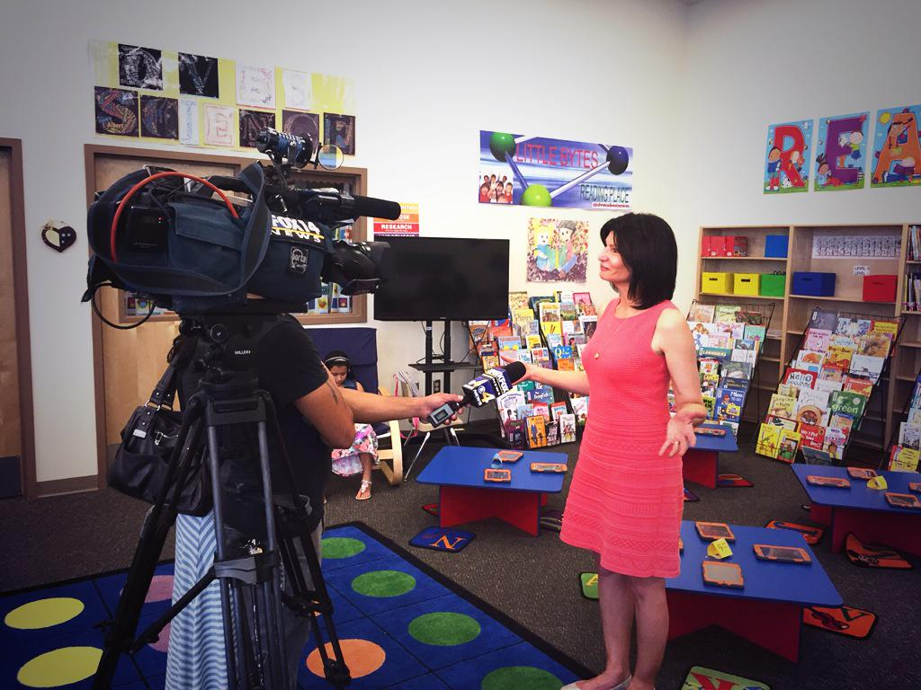 El Paso TX: Tune into @KFOX14 to watch @NEAToday Prez @Lily_NEA who visited @YseltaISD students, schools today http://t.co/KYmEXwoKN3