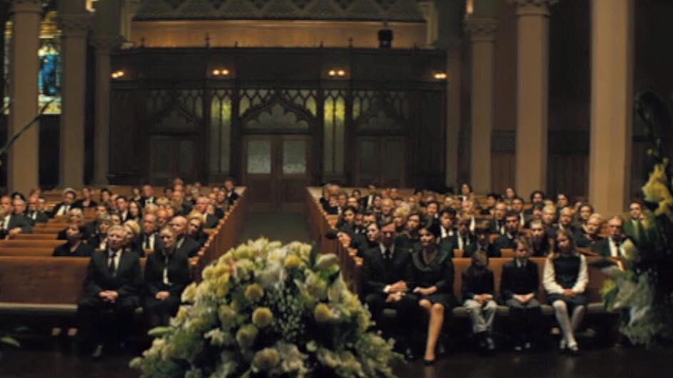 1st pic of @EricaMcD & her movie husband #BenedictCumberbatch in #BlackMass. Looking sweet holding hands in the front http://t.co/56JqzwSutm