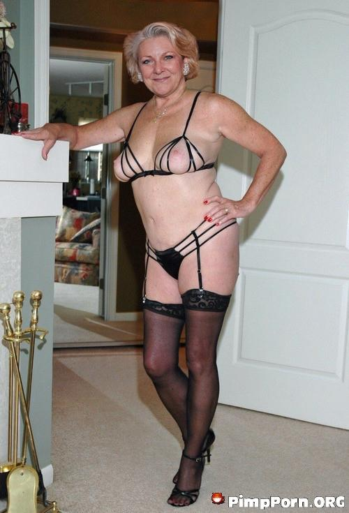 Grandmummy big breasts pictures xxx