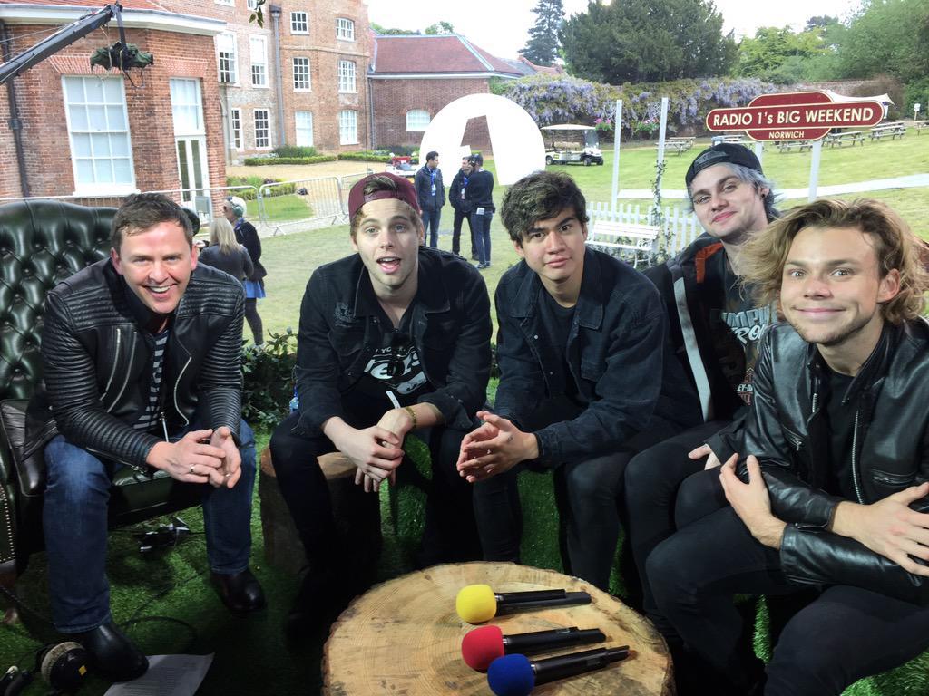 Just interviewed @5SOS in Norwich haven't I? Hear it 3-4pm @BBCR1 #BigWeekend http://t.co/GVtzXI8OC8
