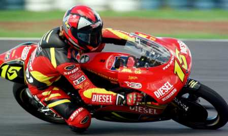 In the 125cc race, Roberto Locatelli on Aprilia took his maiden win from Arnaud Vincent and Emilio Alzamora. 1999 #FrenchGP