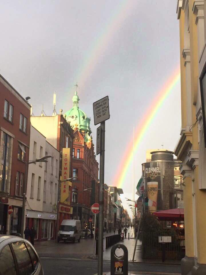 "There's a big rainbow over Dublin, if that 's not Jesus giving the ""Yes"" vote then I don't know what is! http://t.co/jQqME7Gkni"