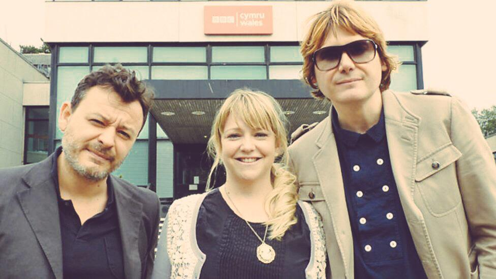 Soon @Manics storm @cardiff_castle I want 2 hear from fans 4 radio show @manicstmania @FDForum radio.wales@bbc.co.uk http://t.co/pRabv9xjt4