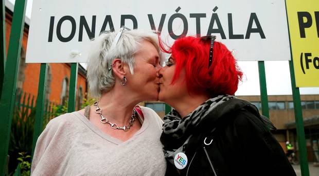 Irish gay marriage referendum: Early tallies indicate strong 'Yes' #MarRef http://t.co/G6SD6zJosN http://t.co/pBCtQBAqxX