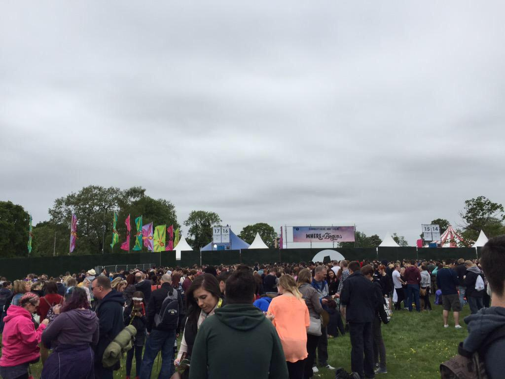 And the crowds are forming for #bigweekend http://t.co/EZD1DxgVlj