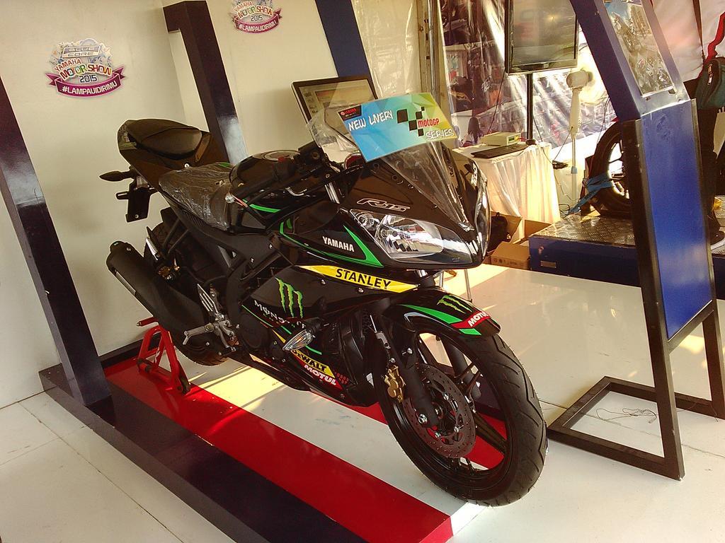 Inilah Spesifikasi Motor Baru Yamaha R15 - AnekaNews.net