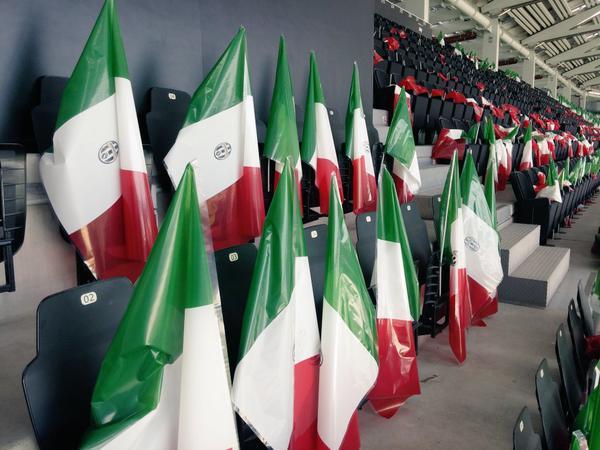 Bandiere tricolore pronte. Allo Stadium si festeggia Scudetto e Coppa Italia della Juventus