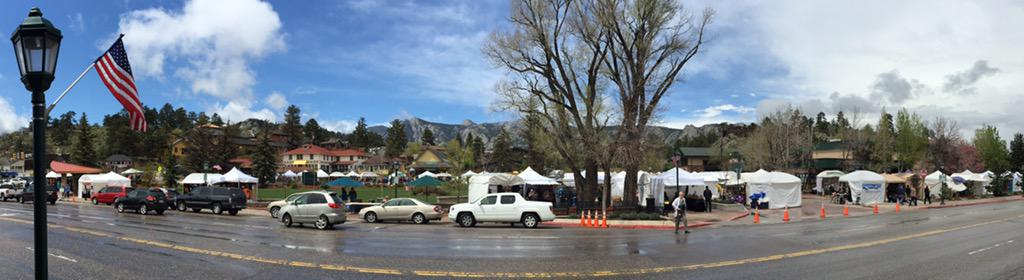 Visit Estes Park On Twitter Celebrating Memorialday Weekend With Beautiful Skies Over The Art Fair In Bond Park Onlyinestes Http T Co Tfnzebuv7d