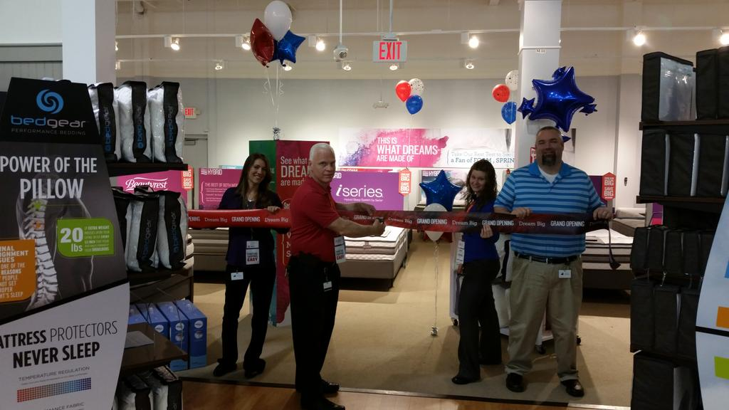 #dreambigmattress Grand Opening In North Olmsted,  Ohiopic.twitter.com/WIwMu4rc71 U2013 At Value City · Value City Furniture
