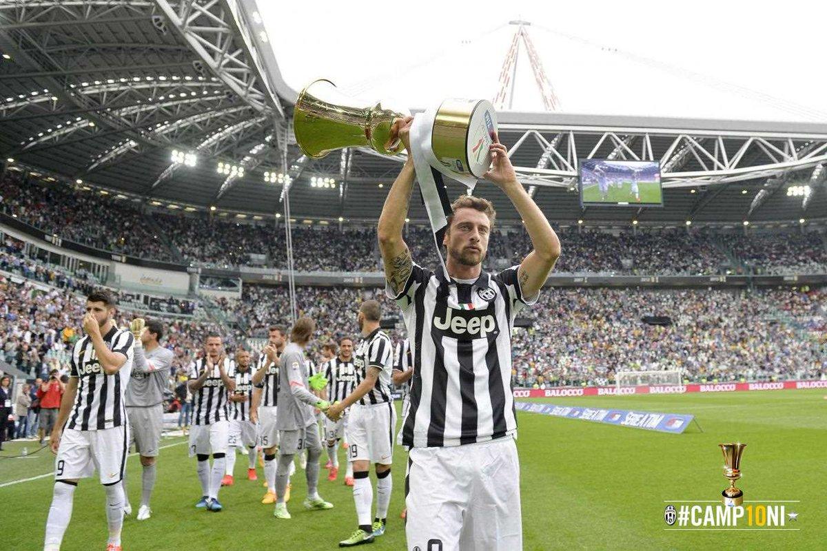 FOTO i bianconeri hanno salutato i loro tifosi mostrando la Coppa Italia appena conquistata