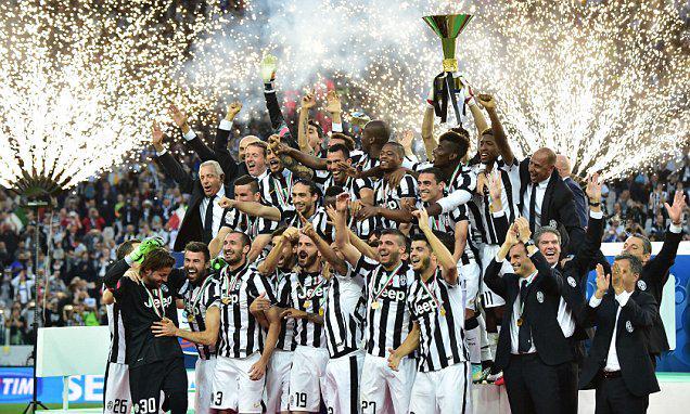 VIDEO Juventus-Napoli 3-1, Festa Scudetto e Coppa Italia con i propri tifosi