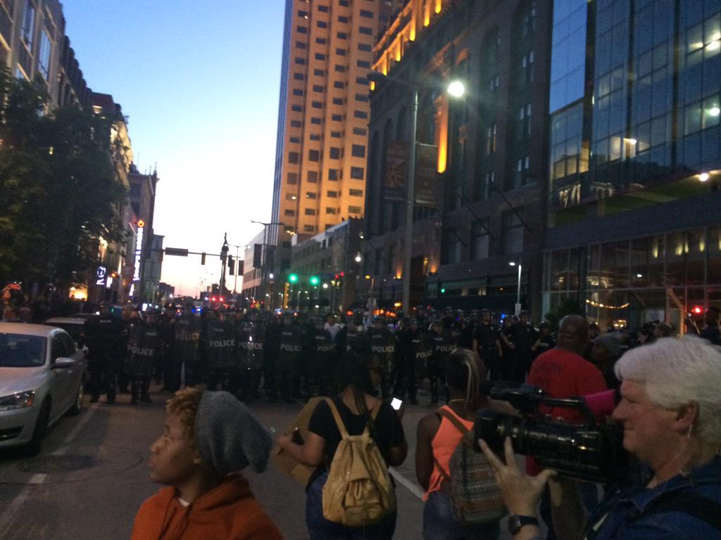 Cleveland PD on loudspeaker: this is an unlawful assembly. If you do not disperse you will be arrested #BreloVerdict http://t.co/U6kjZj49gi