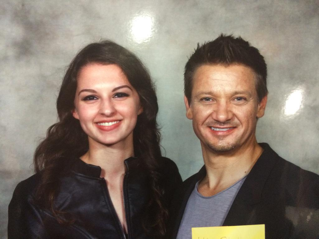 Today was so amazing. Thank you for the laughter and kindness, @Renner4Real & @CobieSmulders. #Comicpalooza http://t.co/t2Zwvxshsw
