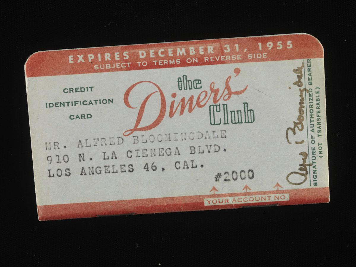 Did you go shopping today? In the 1950s, Diner's Club cards paved the way for modern credit cards. #BusinessHistory http://t.co/UT4YWAeegO
