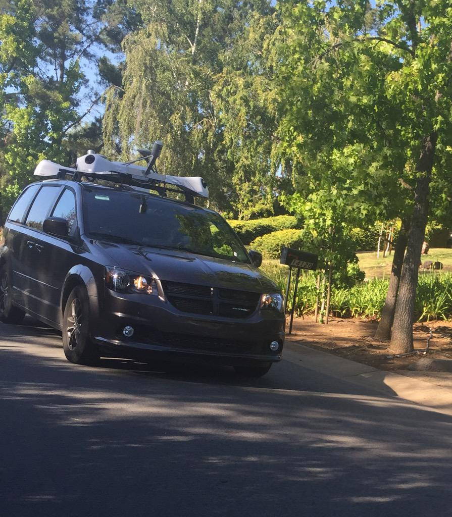 Saw this suspicious vehicle this afternoon in Los Altos Hills. No license plates. Anyone else see this before? http://t.co/xmAyymFNGw