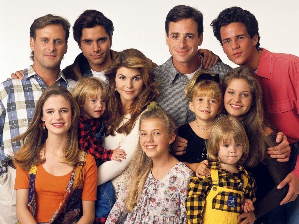 """ON THIS DAY: The final episode of """"Full House"""" aired in 1995. RT if you are excited for #FullerHouse! http://t.co/Sjl32sGRmj"""