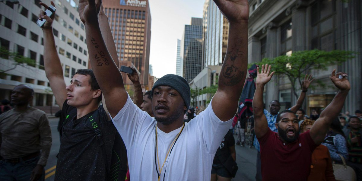 Protests, Arrests After Ohio Officer's Acquittal in 2 Deaths #BreloVerdict http://t.co/1yWaoU2ZnR http://t.co/bvIbnZJ6im