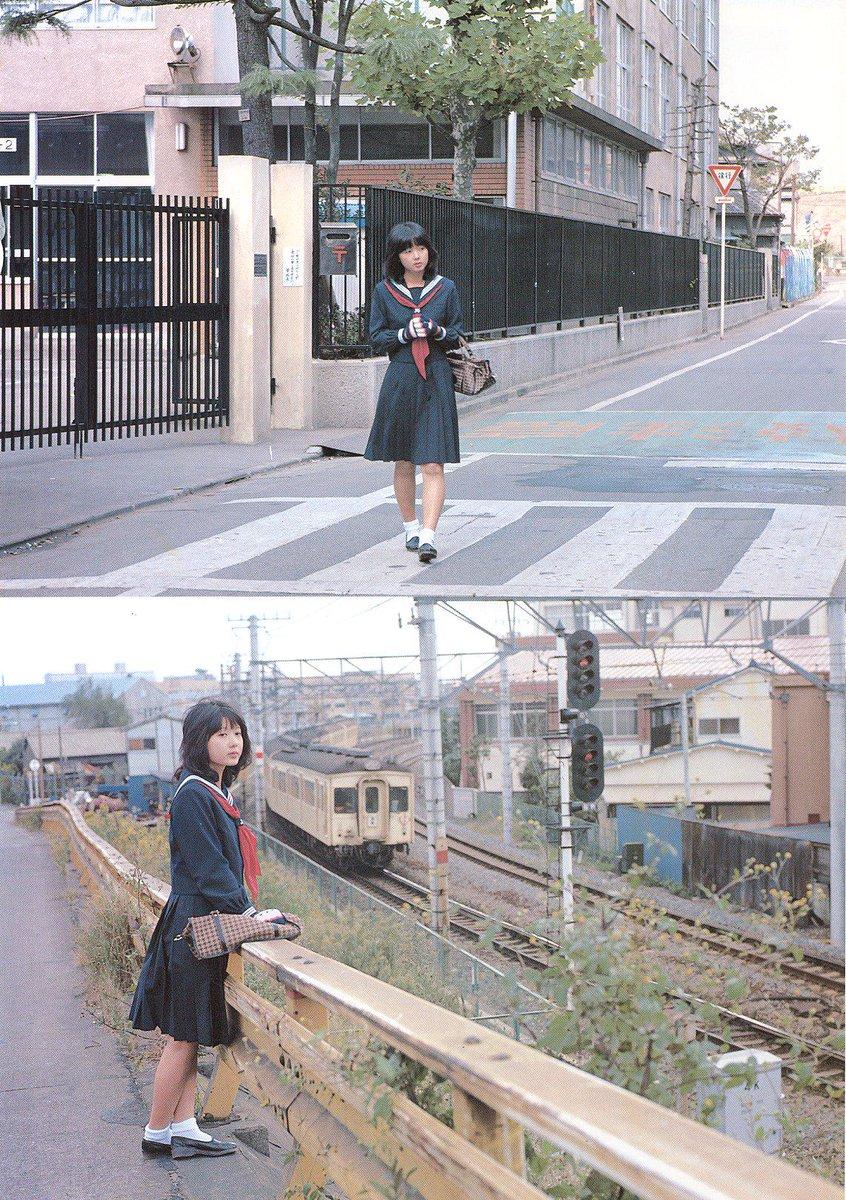 この写真なんかも場所は特定できないけど(東武線だというのは分かる)1980年の「その日」が残っているわけよ。 http://t.co/HB8UFdbF1t