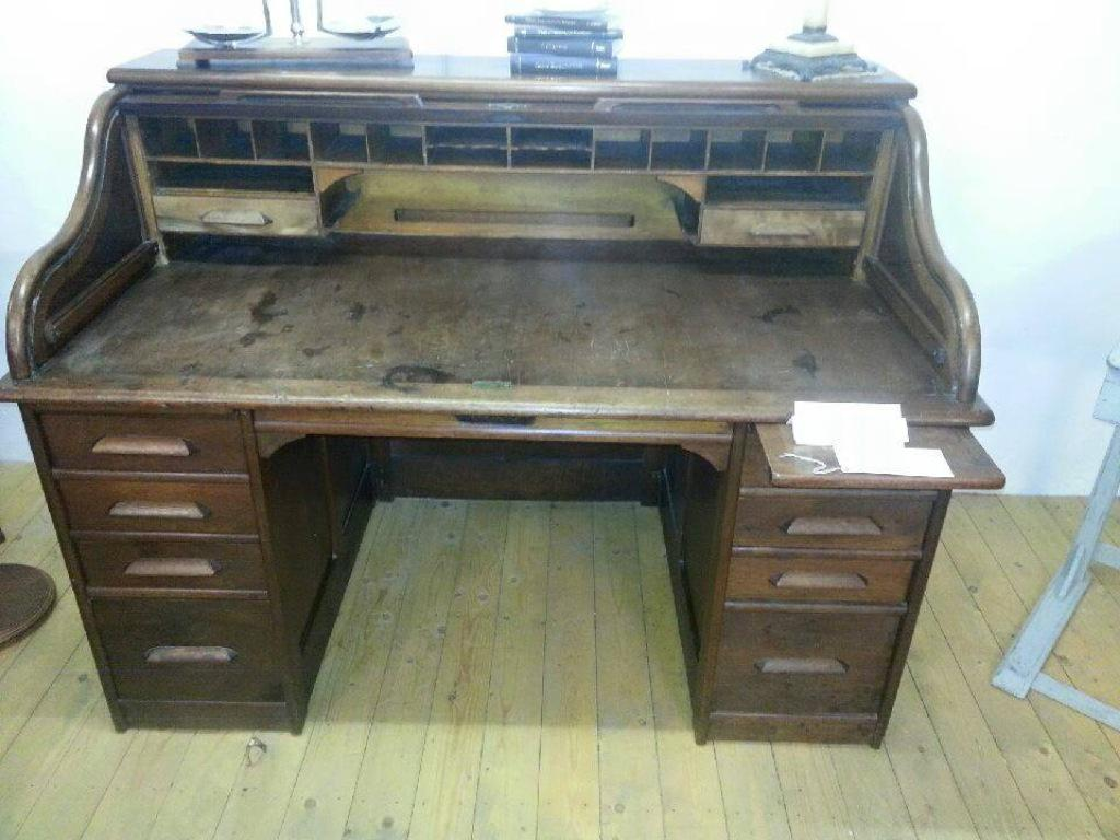 Wonderful Indianapolis Cabinet Company antique roll top desk. # antiquefurniture #Cheshire #LadyHeyes #Frodshampic.twitter.com/FEX4VBKcv6 - Boffey's Emporium On Twitter: