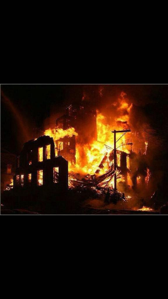 عاجل// إنفجار ضخم يهز مركز تجاري في طهران ... الله اكبر CFzNzYPWAAQ1n4Y