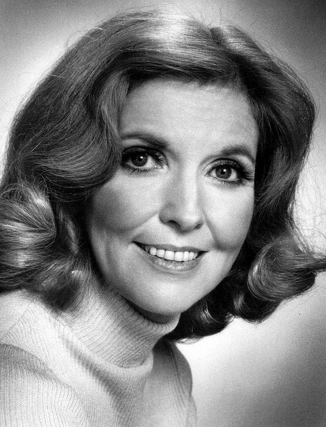 Tonight, we'll raise a glass in memory of Anne Meara.  One of the greats.  http://t.co/4EgJavnCjm http://t.co/pbB5O0vbEu