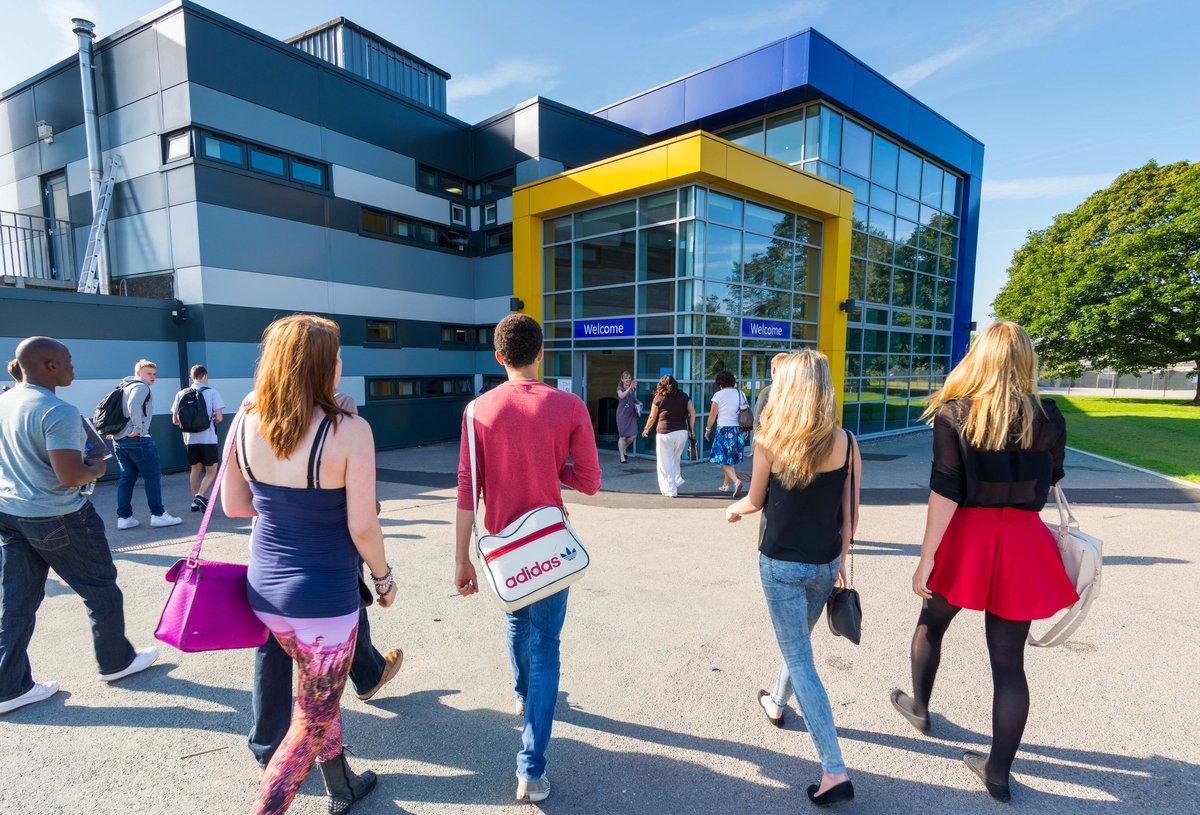Do you want to go to @huntscollege? Check out their open event. More info here: http://t.co/K1koI3QmCn [Sponsored] http://t.co/ngEBa3edVk