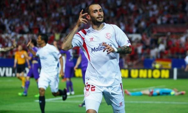 Barcelona Sign Aleix Vidal