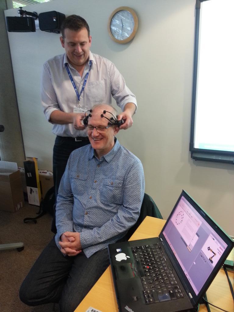 Demonstrating mind control system and robotics at eTwinning national conference in Nottingham #etuk15 http://t.co/AoBTjTK0PA