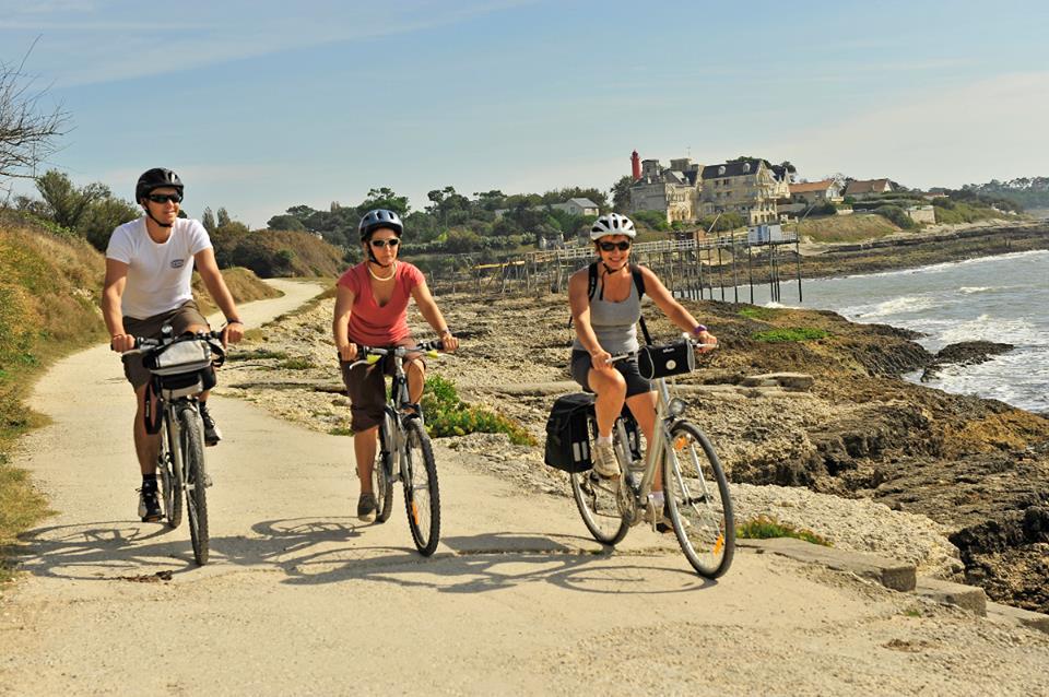 Tgv e BICICLETTA, il binomio green preferito dall'ambiente. Bici a bordo dell'ECO TRENO, poi centinaia di VELOROUTES francesi