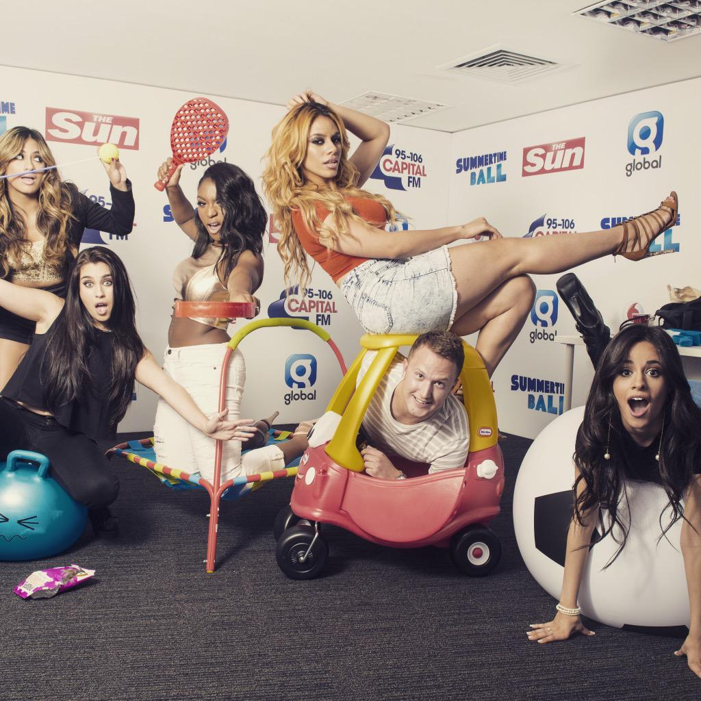 The @FifthHarmony girls are absolutely crackers. But I love them. (It was their idea to put me in the car!) http://t.co/bdSu08v0Wg