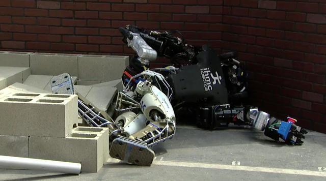 DARPA Robotics Challenge: A Compilation of Robots Falling Down http://t.co/FdsxNmw9tx #DARPADRC http://t.co/IGHtQ4V8LR
