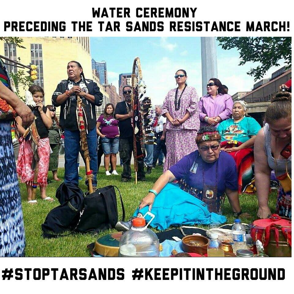 Thousands are marching in St Paul MN against Tar Sands! It started with a native-led water ceremony! #StopTarSands http://t.co/2yaM5X2j0b