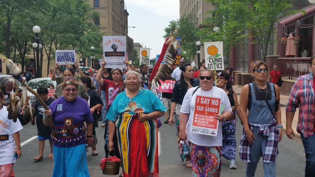 Native women lead this movement and they lead this march! #WeWalkForTheWater #StopTarSands http://t.co/VOVoYewzpK