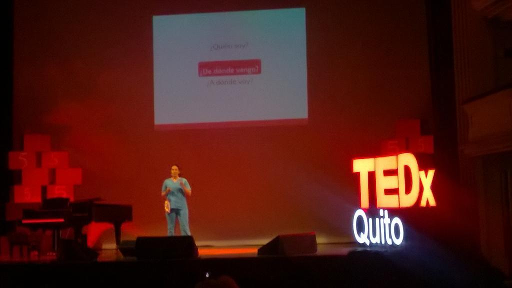 @TEDxQuito #PasadoPresenteFuturo empieza la conferencia de Denisse Calle http://t.co/vcYNd6WNOl