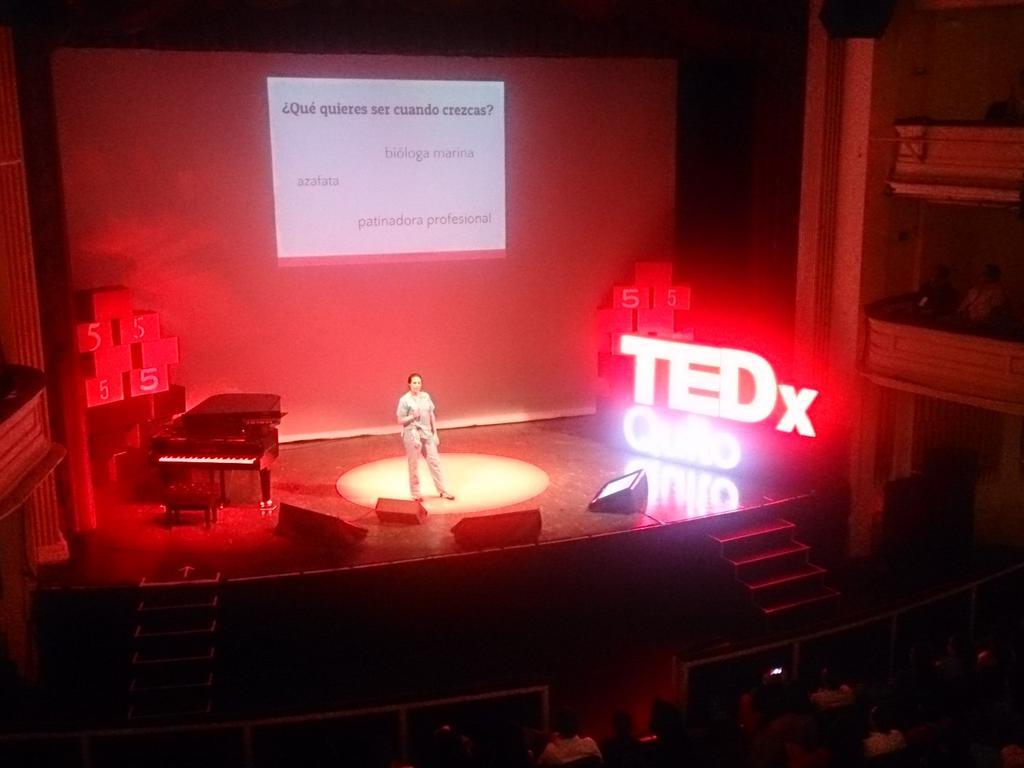 Denisse Calle ahora en @TEDxQuito #PasadoPresenteFuturo http://t.co/z5V6FFmljE