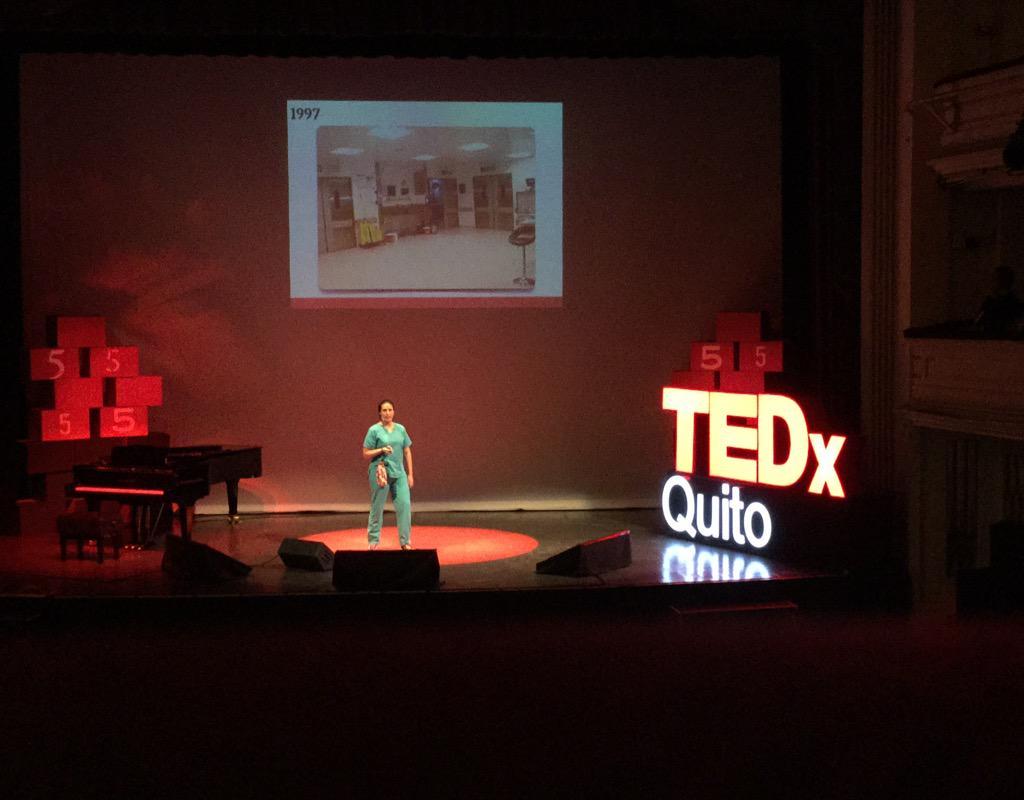 Denisse Calle, @niches13, es blogueadora médica de #ruraleando y hoy nos acompaña en @TEDxQuito #PasadoPresenteFuturo http://t.co/D8URpc8WI4