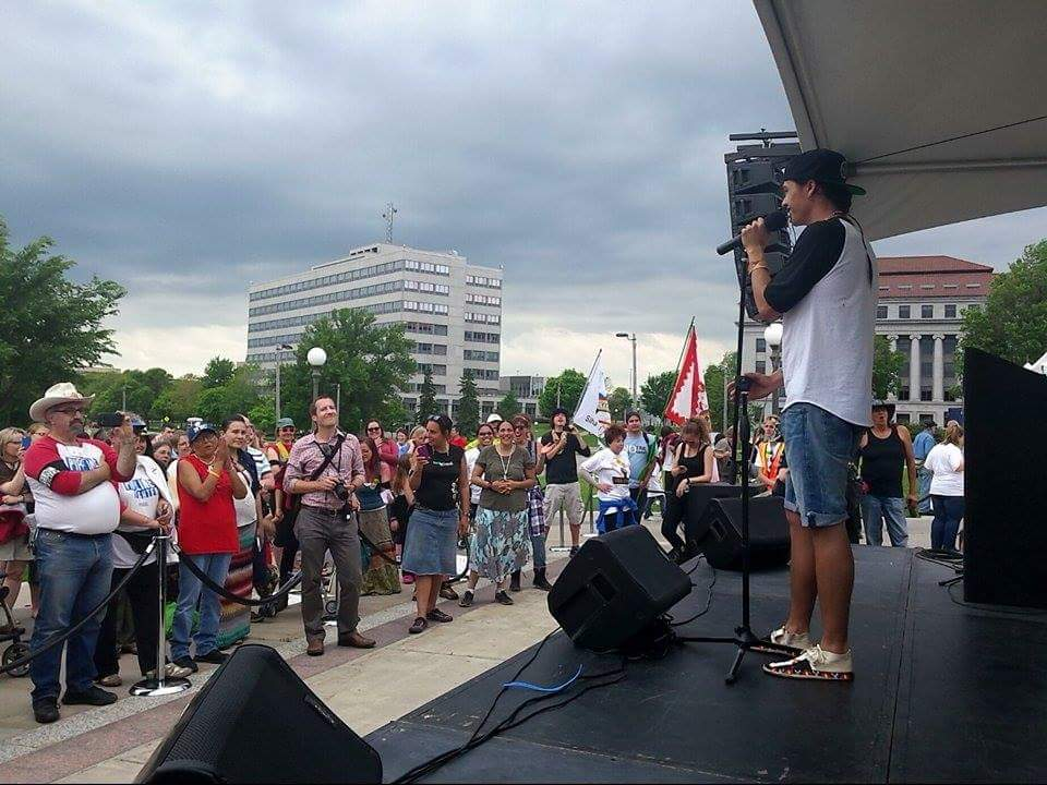 @FrankWaln performing in front of the #StopTarSands rally! #NOKXL http://t.co/Dus2PWbTBc