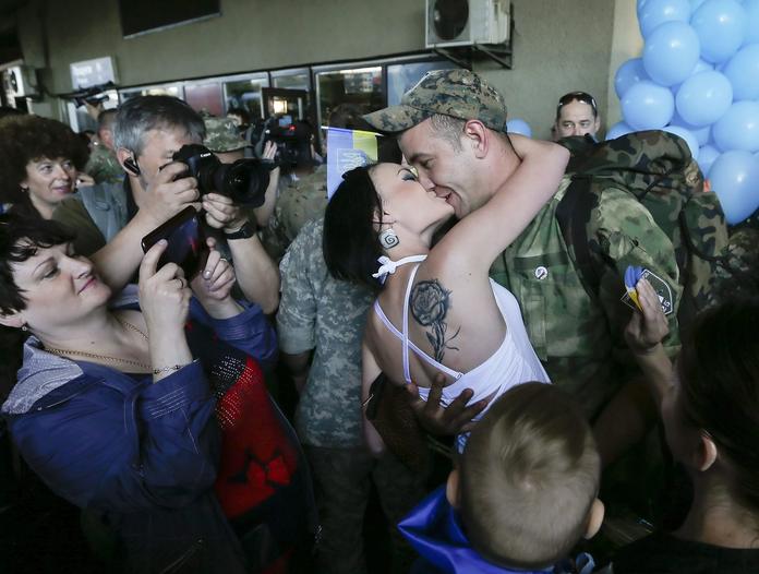 Украина находится на передовой линии фронта в борьбе за европейские ценности, - посол - Цензор.НЕТ 5593