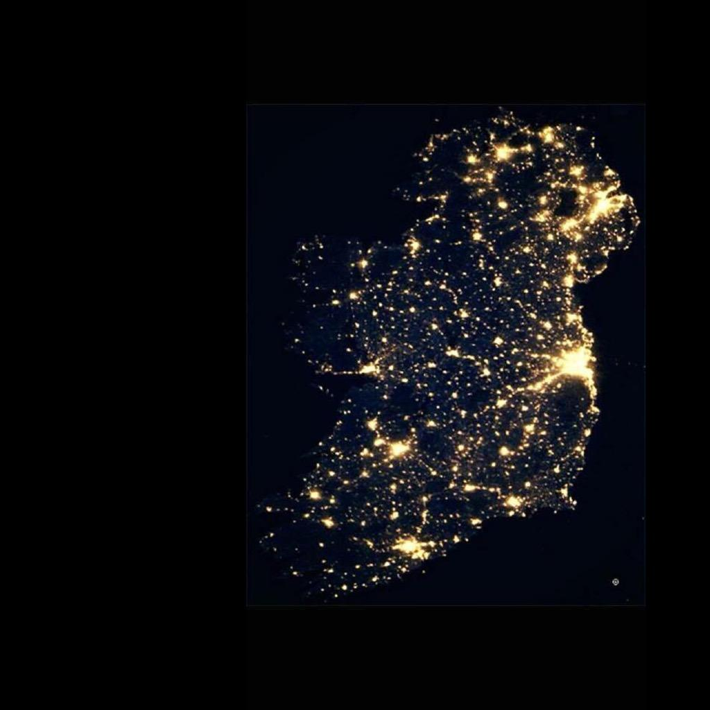 #amazing pic of #ireland by night taken from space by @nasa  #GOODNIGHT #earlynight #nasa http://t.co/mkQSJg3U7h