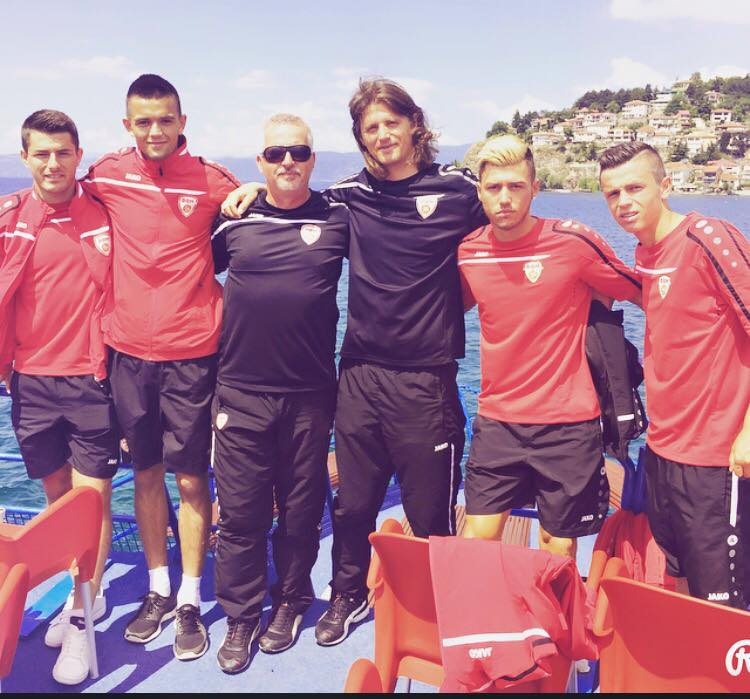 Agim Sopi (long hair) with Macedonia U21