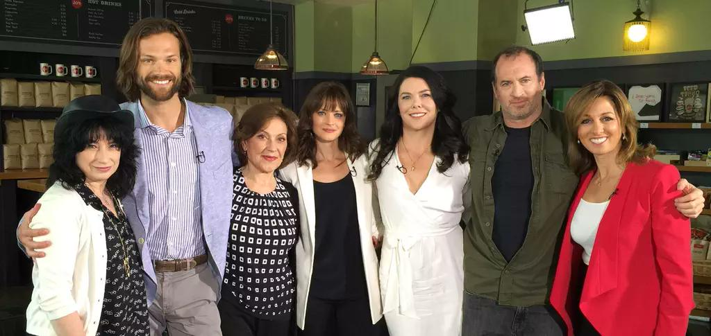 Oh my word! This #GilmoreGirlsReunion photo is perfection! http://t.co/Oftqc6Ggs0
