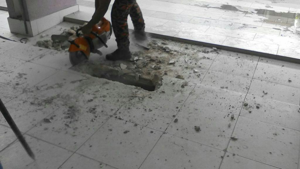 Bomba Dan Penyelamat Malaysia On Twitter Khidmat Khas Selamatkan Biawak Yang Terperangkap Dlm Longkang Di Kolej Islam Sultan Alam Shah Pagi Tadi Bomba Http T Co Xqcmsxjc1m